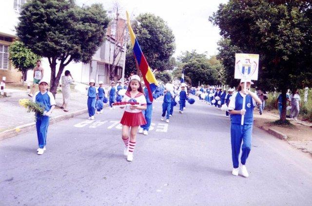 Desfile de las primeras interclases de el colegio