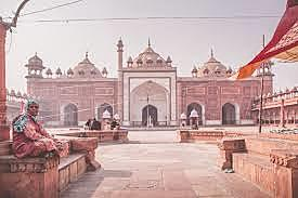 The Mughal Empire is established