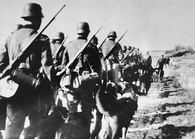 Entrada a la Segunda Guerra Mundial