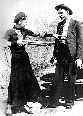 Bonnie and Clyde are killed