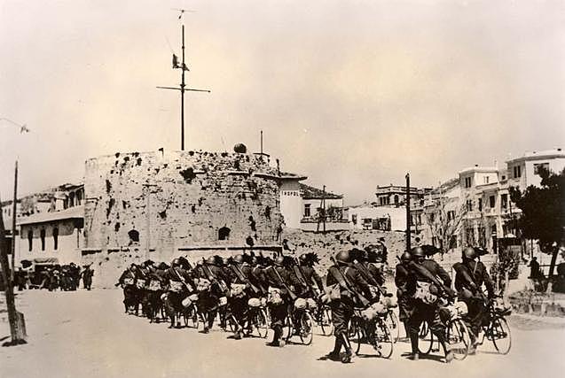 Occupation de l'Éthiopie et l'Albanie.