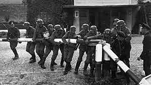 Début de l'invasion de la Pologne.