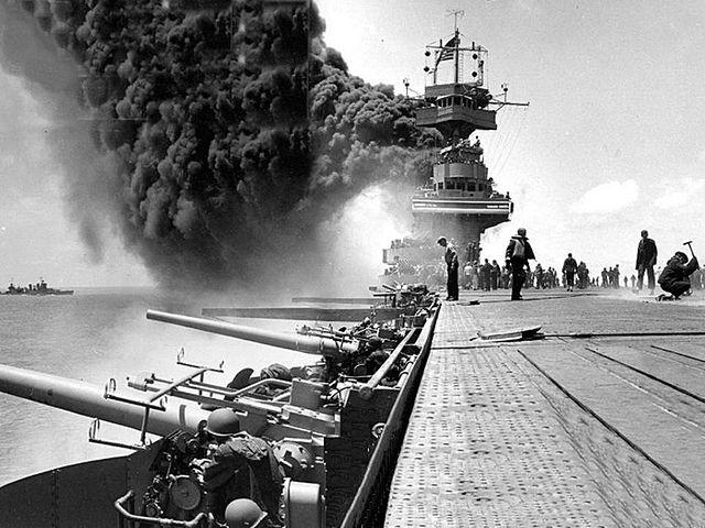 Les Japonais avancent dans le Pacifique.