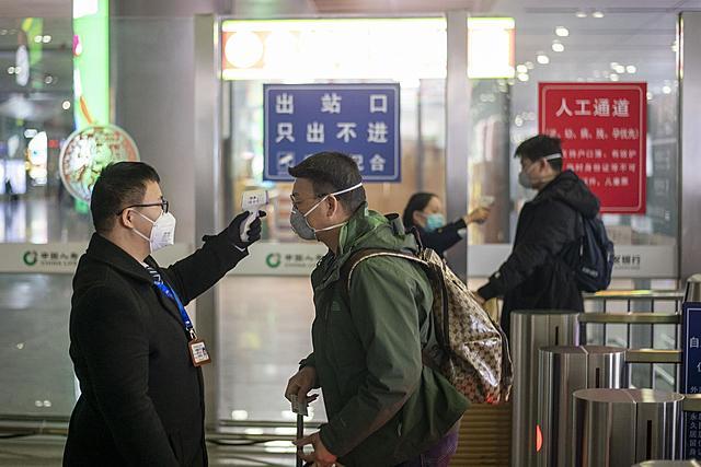 Primer reporte de infección fuera de China