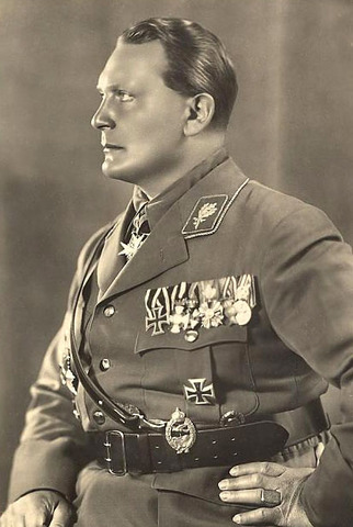 Hermann Goering begins his testimony