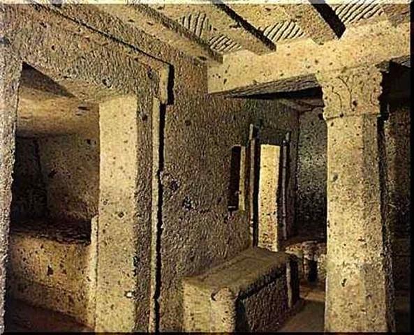 Tumba de los Capiteles, Caere