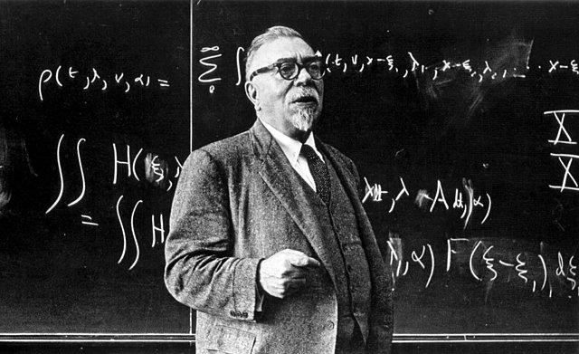 Norbert Wiener : Fundación de la Cibernética