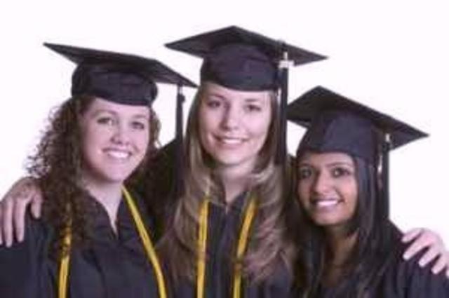 me graduo de la universidad con honores