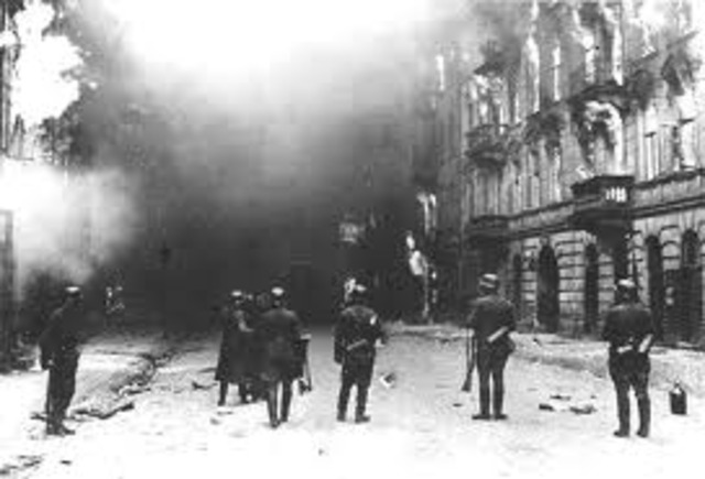 Warsaw Ghetto is created