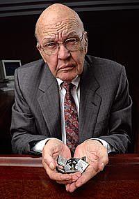 Jack Kilby et le circuit intégré
