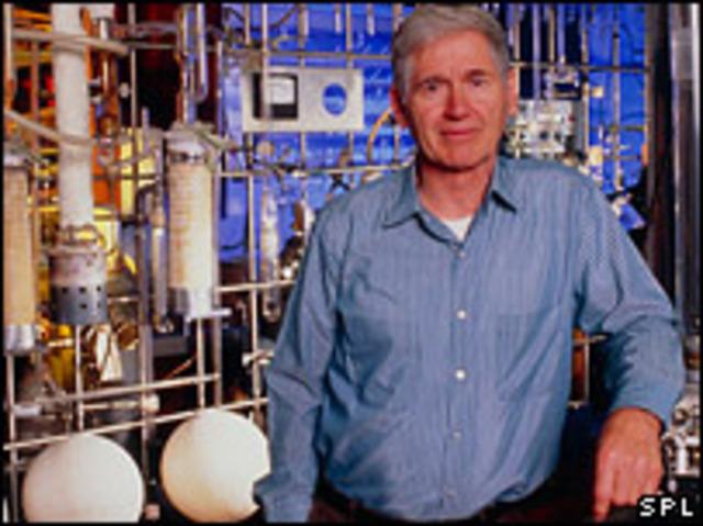 Ο Αμερικανός επιστήμονας Charles David Keeling ξεκινά συστηματική μέτρηση των ατμοσφαιρικών εκπομπών του CO2 στο όρος Mauna Loa στη Χαβάη και στην Ανταρκτική, με αποτέλεσμα να φανεί η πρώτη σαφής απόδειξη ότι οι συγκεντρώσεις του CO2 αυξάνονται.