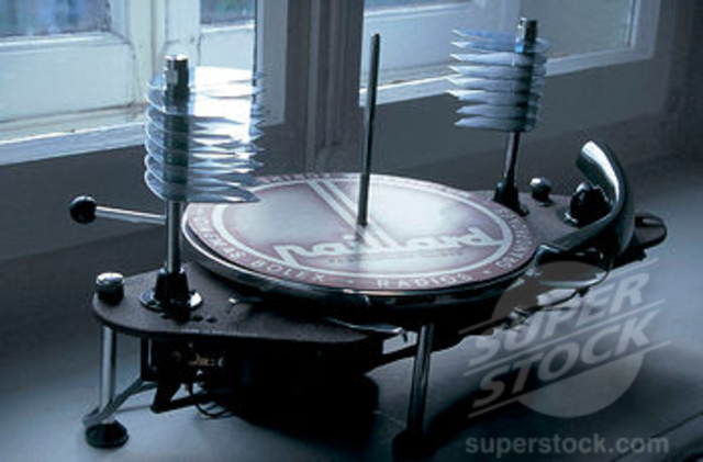 """The first automatic """"record changer"""" turntable is patented for a stack of 78's"""