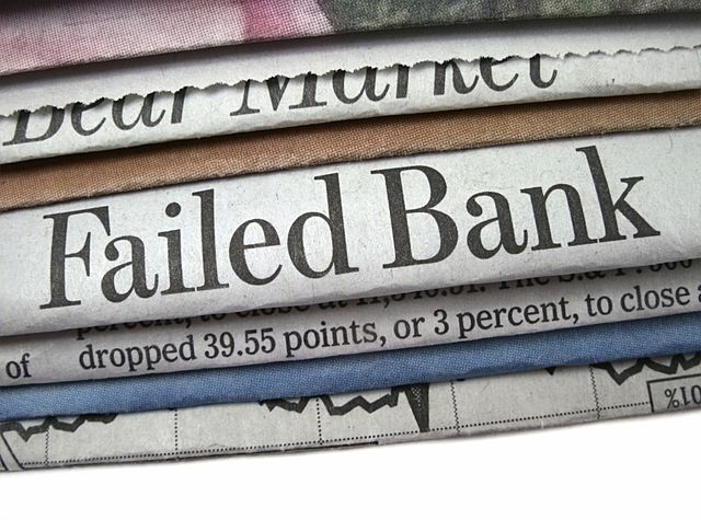 •100, 000 Banks Have Failed (1932)