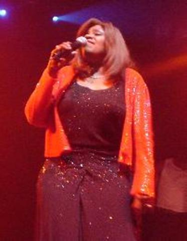 """Gloria Gaynor records """"Never Can Say Goodbye"""" -- the first disco record on US radio"""