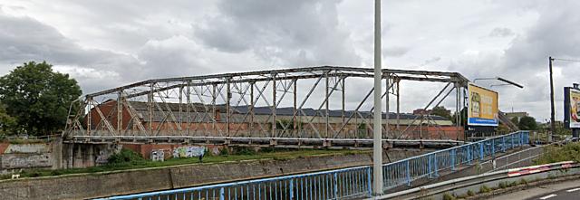 Passerelle de la station Chatelineau, Chatelet