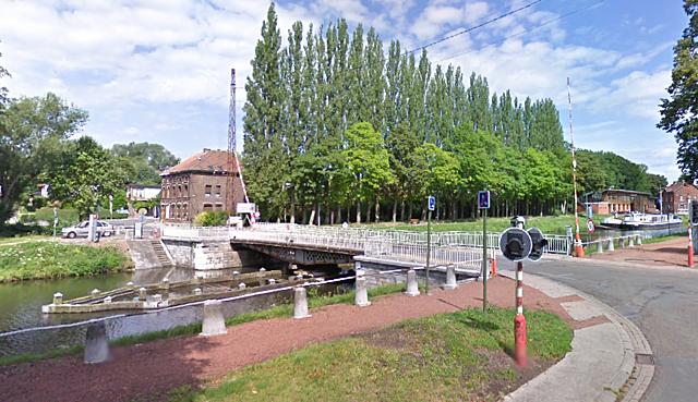 Pont tournant de Strépy-Bracquenies, La Louvière