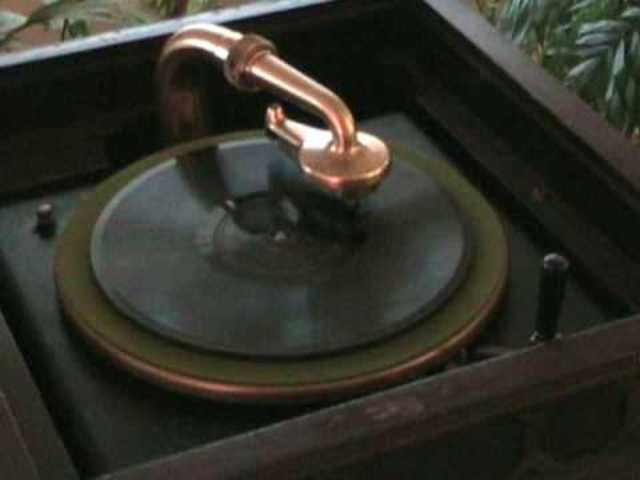 - Edison Co. finally introduces a disk player, now that the cylinder market is gone