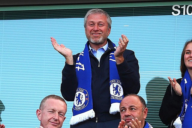 Abramovich buys Chelsea