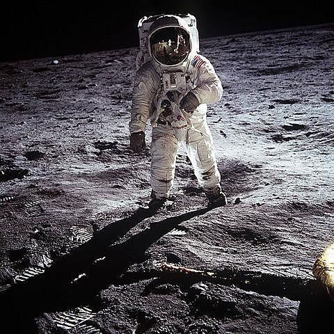 Кодак отправляется на Луну