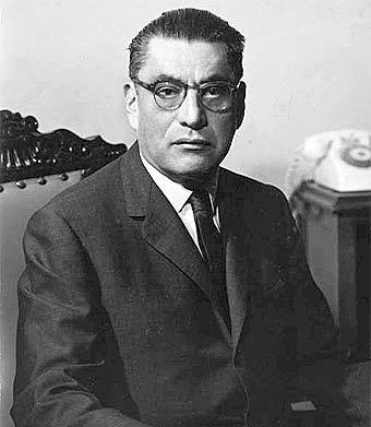 Agustín Yáñez, Secretario de Educación Pública