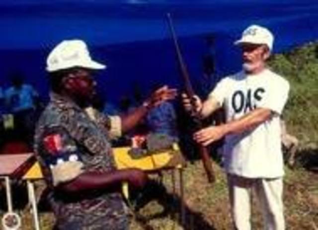 Mision Especial en Suriname (1992-2000)