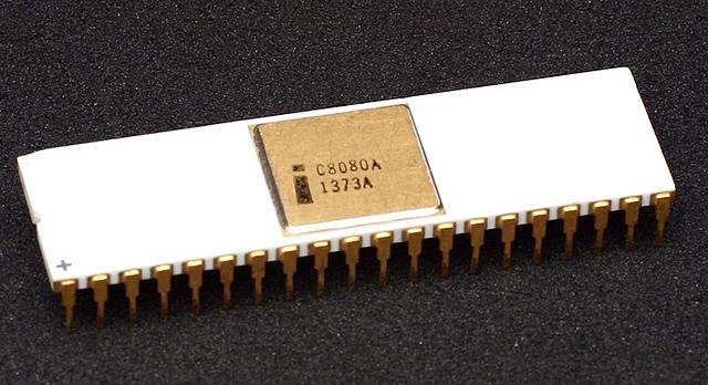 Усовершенствованная версия — 8-битный микропроцессор Intel 8080