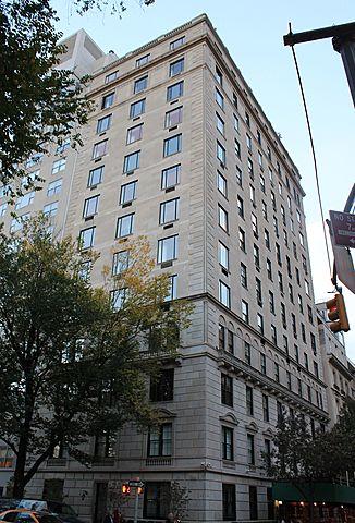 810 Fifth Avenue. (Junto al Central Park).