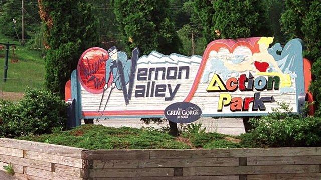 Action Park åbner