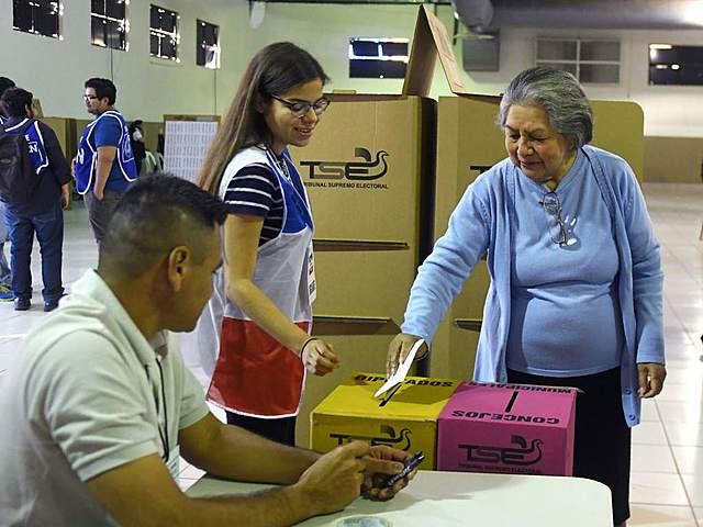 Elecciones de diputados y concejos municipales