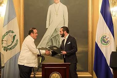 El Salvador y Guatemala eliminarán los controles en su frontera