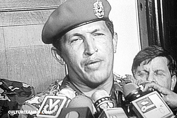 Hugo Chávez, un coronel del Ejército venezolano, lidera un fallido golpe de Estado contra el presidente Carlos Andrés Pérez