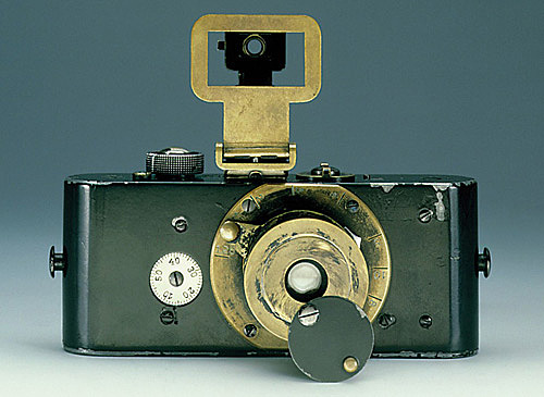 Al 1925 leica va comercialitzar una càmera