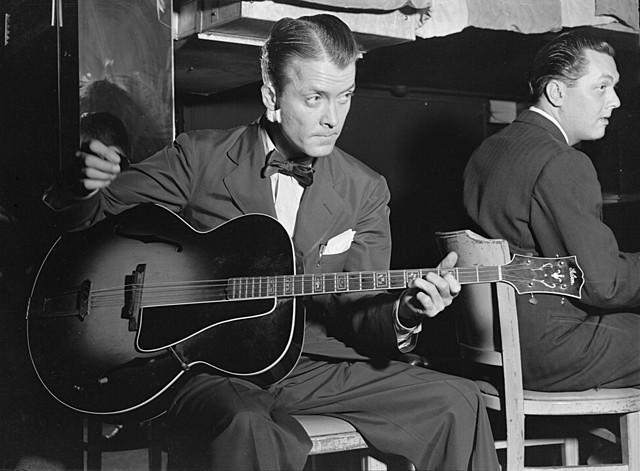 Eddie Condon. (1905-1973).