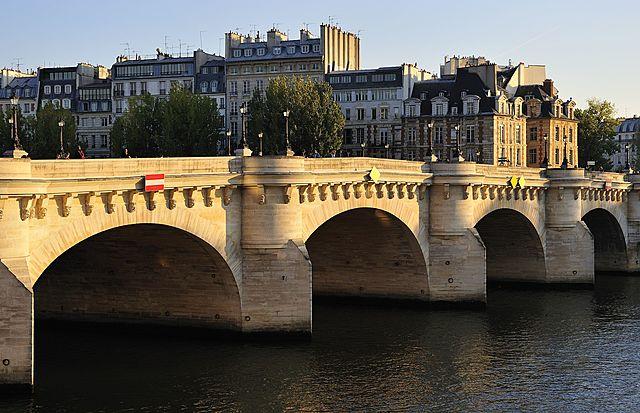 Pont Neuf de París. de Baptiste Androuet du Cerceau.