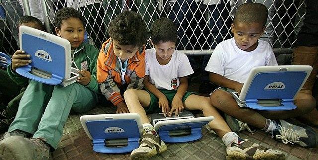 Início da informática no Ensino Básico
