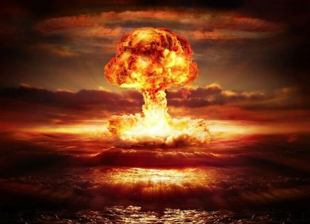 Atomic Bombs End WWII