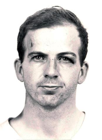 Lee Harvey Oswald. (1939-1963).- Exmarine estadounidense.