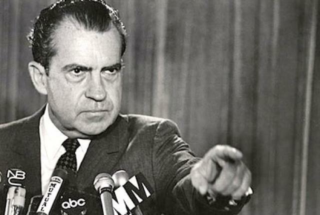 Газета губит президента Никсона. Журналистское расследование