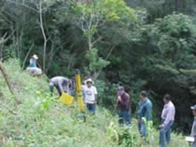 El Salvador- Honduras (2003-2004)