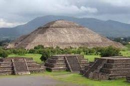Construcción de la pirámide del sol