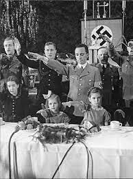 היטלר מונה לקאנצלר וגבלס חבר במפלגה