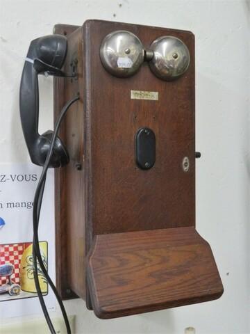 Arrivée du téléphone au Québec