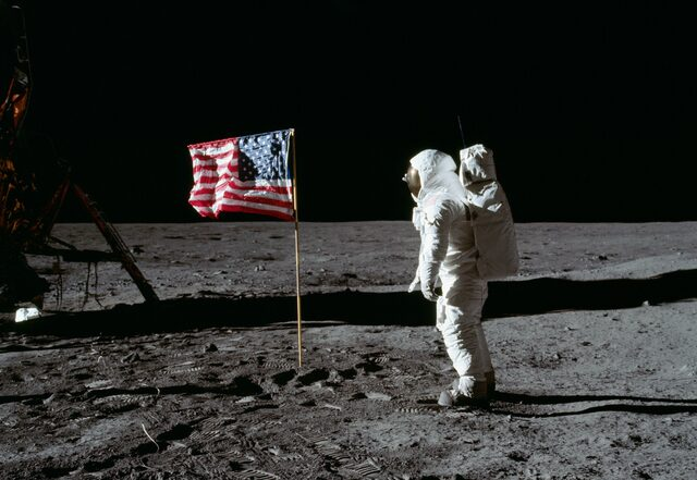 Første månelandinga