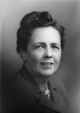 Une première femme est présidente du Sénat