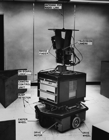 Primer robot móvil controlado por inteligencia artificial