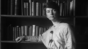 Margaret Sanger opens the first birth control clinic