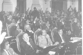 Se crea la Comisión Federal Electoral.