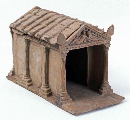 modellino votivo di tempio etrusco