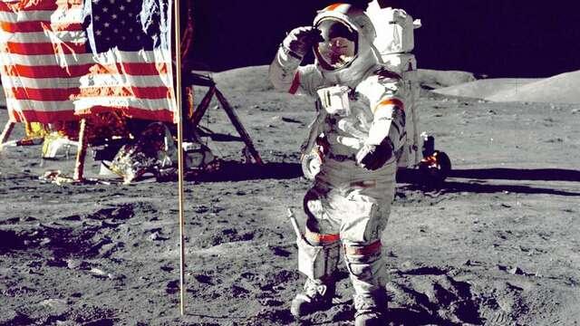 1. mann på månen