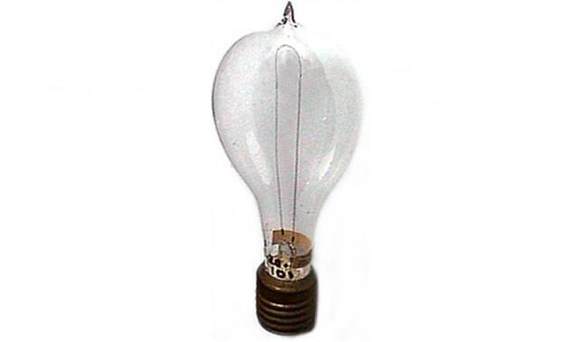 Thomas Edison Invents the Lightbulb